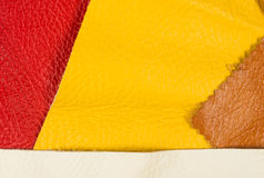 pezzi colorati e residui di cuoio naturale Fotografie Stock Libere da Diritti
