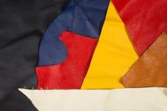 pezzi colorati e residui di cuoio naturale Fotografia Stock Libera da Diritti