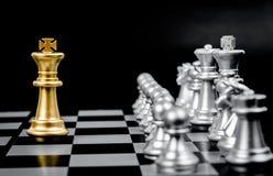 Pezzi degli scacchi dell'oro immagini stock libere da diritti