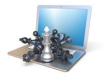 Pezzi degli scacchi sulla vista laterale 3D del computer portatile aperto Fotografie Stock Libere da Diritti