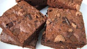 Pezzi del cioccolato del brownie fotografia stock