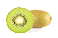 Pezzi del taglio del kiwi su fondo bianco Fotografia Stock Libera da Diritti