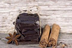 Pezzi di cioccolato fondente Fotografia Stock