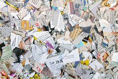 Pezzi di giornali e di riviste lacerati differenti Fotografia Stock Libera da Diritti