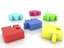 Pezzi di puzzle sparsi su bianco Fotografia Stock Libera da Diritti