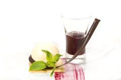 Pezzo di dolce con frutto della passione Immagine Stock Libera da Diritti