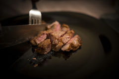 Pezzo di filetto di manzo da essere piatto nero inciso Immagine Stock