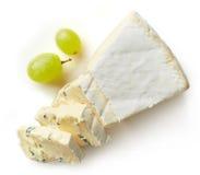 Pezzo di formaggio del brie Immagini Stock Libere da Diritti