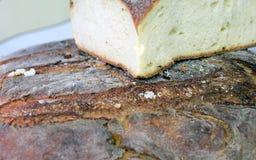 Pezzo di pane casalingo da vendere in forno italiano del sud Fotografie Stock Libere da Diritti