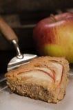 Pezzo di torta di mele casalinga del vegano Fotografia Stock