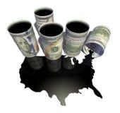 Pfütze des Öls in Form einer Karte der Vereinigten Staaten von Amerika tauchte vom Fass auf Lizenzfreie Stockfotos