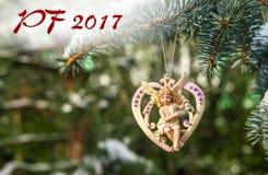 PF 2017 - cuore con l'angelo, decorazione di Natale Immagini Stock