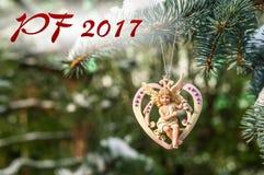 PF 2017 - cuore con l'angelo, decorazione di Natale Immagini Stock Libere da Diritti