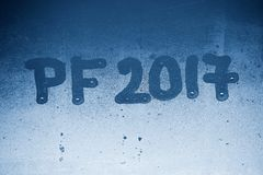 PF 2017 geschreven op een nevelig venster Achtergrond voor de viering van het Nieuwjaar 2017 Royalty-vrije Stock Fotografie