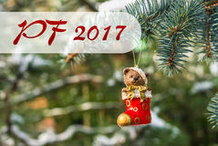 PF 2017 - Teddybeer en rode sok, Kerstmisstuk speelgoed op Kerstmis Stock Foto's