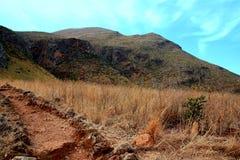 Pfad durch die Landschaft Lizenzfreies Stockfoto