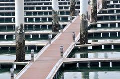Pfad durch Hafenviertel Stockfoto