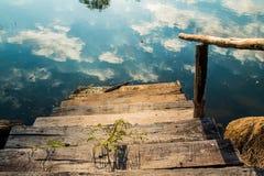 Pfad zum Wasser Stockfotografie