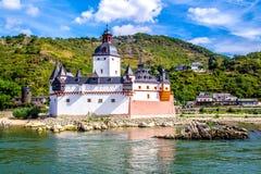 Pfalzgrafenstein-Schloss, auf der Falkenau-Insel im Rhein-riv lizenzfreie stockfotografie