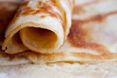 Pfannkuchen auf einer Platte Stockbild