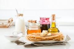 Pfannkuchen mit dem Füllen Stockfoto