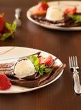 Pfannkuchen mit Eiscreme Lizenzfreie Stockbilder