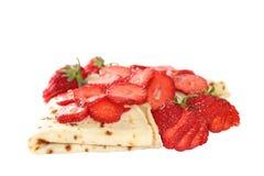 Pfannkuchen mit Erdbeere Lizenzfreie Stockfotos