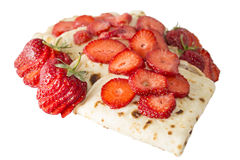 Pfannkuchen mit Erdbeeren Lizenzfreie Stockfotos