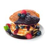 Pfannkuchen mit frischen Beeren Stockfoto