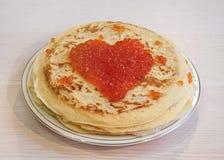 Pfannkuchen mit Kaviar Lizenzfreies Stockfoto