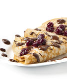 Pfannkuchen mit Kirschmarmelade und Schokoladenvereisung Stockbilder