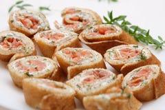 Pfannkuchen mit Lachsen Stockfotografie