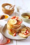 Pfannkuchen mit Reismilch und Reismehl Lizenzfreie Stockfotos