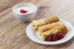 Pfannkuchen mit Sahne Stockfotos
