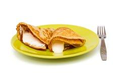 Pfannkuchen mit Sauersahne Lizenzfreies Stockbild