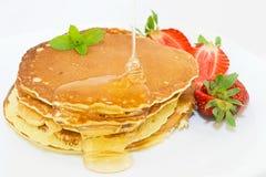 Pfannkuchen mit Sirup Stockfotografie