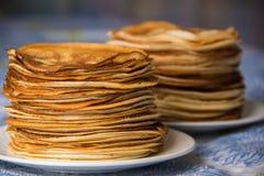Pfannkuchen, russische Küche Stockbilder