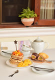 Pfannkuchen zum Frühstück Stockfotografie