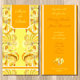 Pfau versieht Hochzeitseinladungskarte mit Federn Bedruckbare Vektorillustration Lizenzfreies Stockfoto