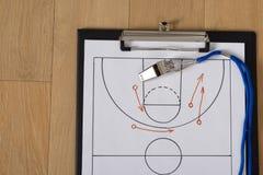 Pfeifen- und Sporttaktiken auf Papier Stockfotografie