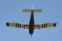 Pfeil des Pfeifer-PA28R auf Endanflug Stockfotografie