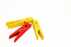 Pfeil von der roten und gelben Klammer Stockfotografie