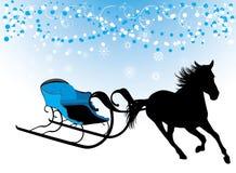 Pferd mit Schlitten. Aufbau für Weihnachtskarte Lizenzfreies Stockbild