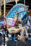 Pferd von einem klassischen Karussell lizenzfreie stockbilder