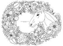 Pferdekopf mit Blumen Lizenzfreies Stockbild