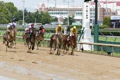 Pferdenrennen bei Churchill Downs Lizenzfreie Stockfotografie