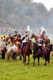 Pferdereiter bei Borodino kämpfen historische Wiederinkraftsetzung in Russland Lizenzfreie Stockfotografie