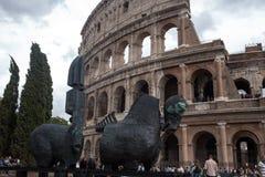 Pferdeskulptur im Kolosseum Stockbilder