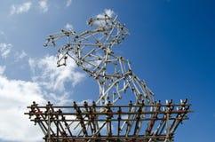 Pferdeskulptur vom Baugerüst Stockbilder