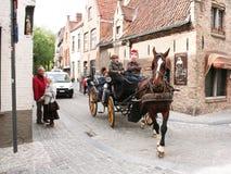 Pferdewagen in Brügge Stockfotos